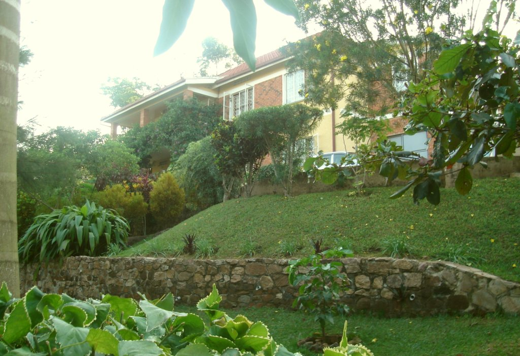 [picture of the guesthouse (entebbe - kampala) - view from the garden]